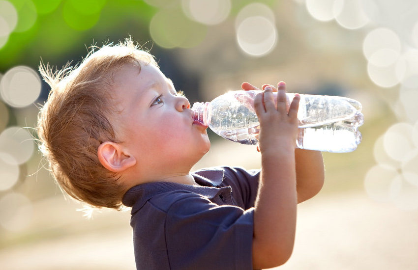 importanza-dell-acqua-alimentazione-bambino
